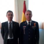 El presidente de FAMUR con el Coronel Jefe relevado