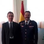 El presidente de FAMUR con el nuevo Coronel  Jefe de la Base Aérea de Alcantarilla