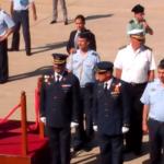 Ambos coroneles en el desfile de la tropa